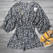 Image of black romper with white leopard spots and yellow sandals - 9Lilas