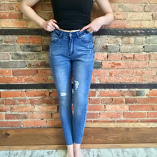 Distressed Jegging with Raw Hem
