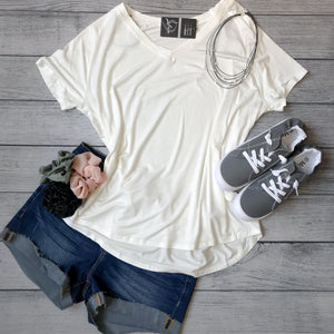 V-Neck Easy Fit Tee