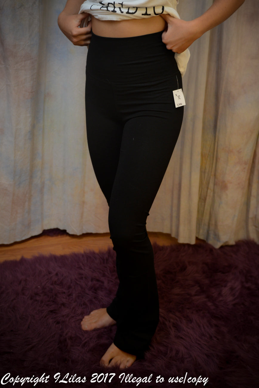 Thick Band Flare Yoga Pant - Black