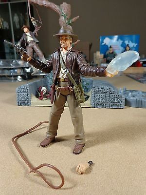 Indiana Jones Kingdom of the Crystal Skull Indy with Skull Action Figure