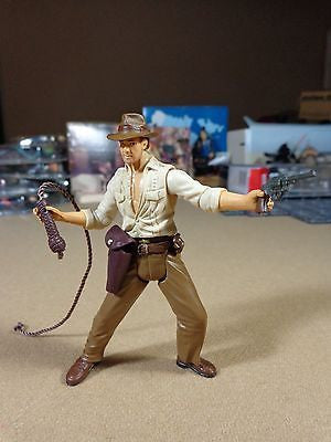 Indiana Jones Raiders of the Lost Ark w/ whip cracking action Action Figure