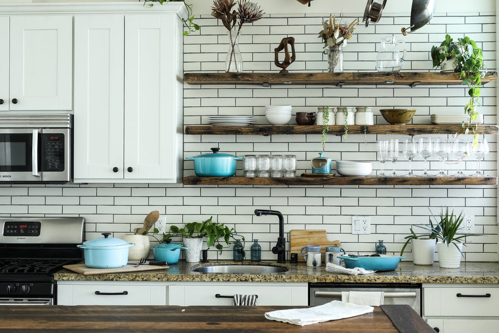 What are the Best Farmhouse Kitchen Ideas? For Small, Big, Modern Homes (2021)
