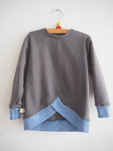 V- Sweater - gray