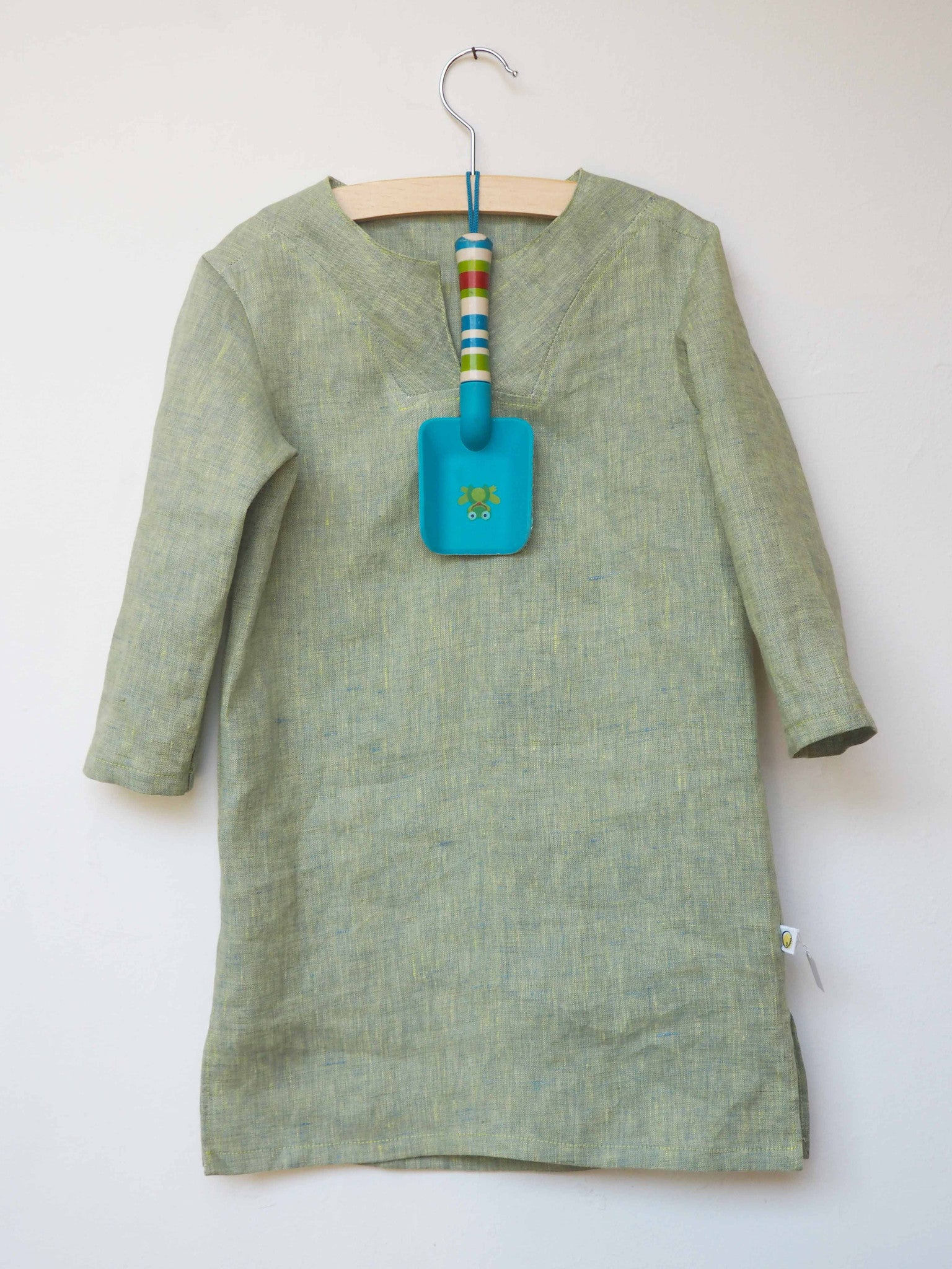 Jellabiya, a Linen Dress Shirt inspired by the traditional North African costume