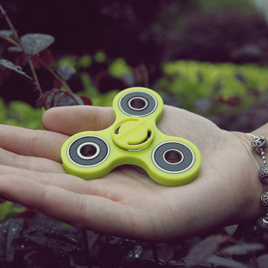 Yomaxer Tri-Spinner Fidget Toy  Bearing Nylon Material New Version Green(M17111-GN)