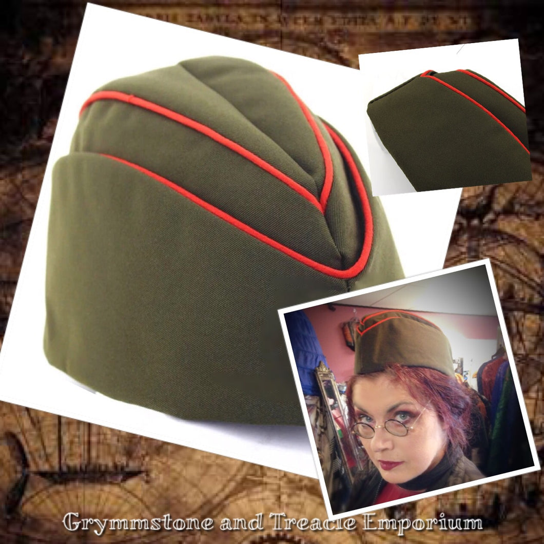 Garrison Cap in army green with red piping