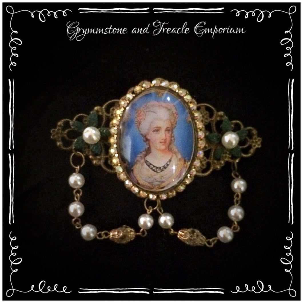 Handmade brooch - Rococo Lady with Pearl Beads - Victorian