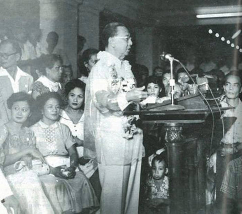 Quirino addresses an audience in a Barong Tagalog while on the campaign trail for re-election as President in 1953
