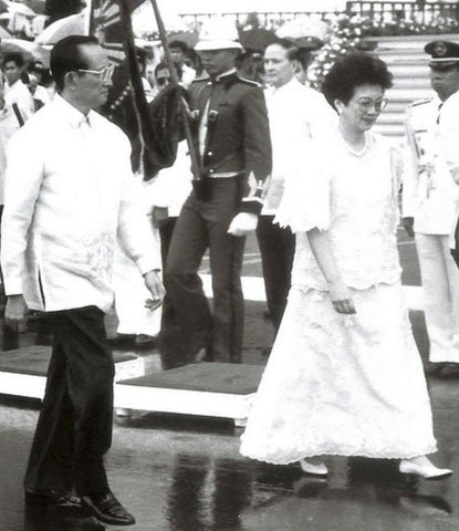 Ramos walks with out-going President Corazon Aquino at Ramos' 1992 inauguration