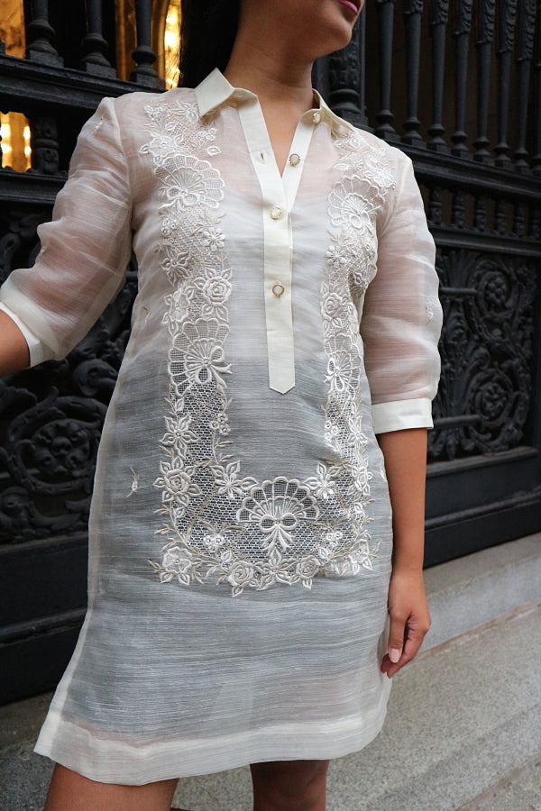 Example of 1/2 Sleeves on a Women's Fit Barong