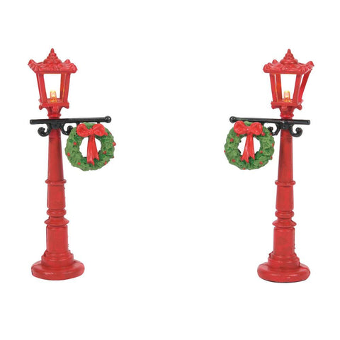 Village Accessory: Red Street Lamps With Wreaths