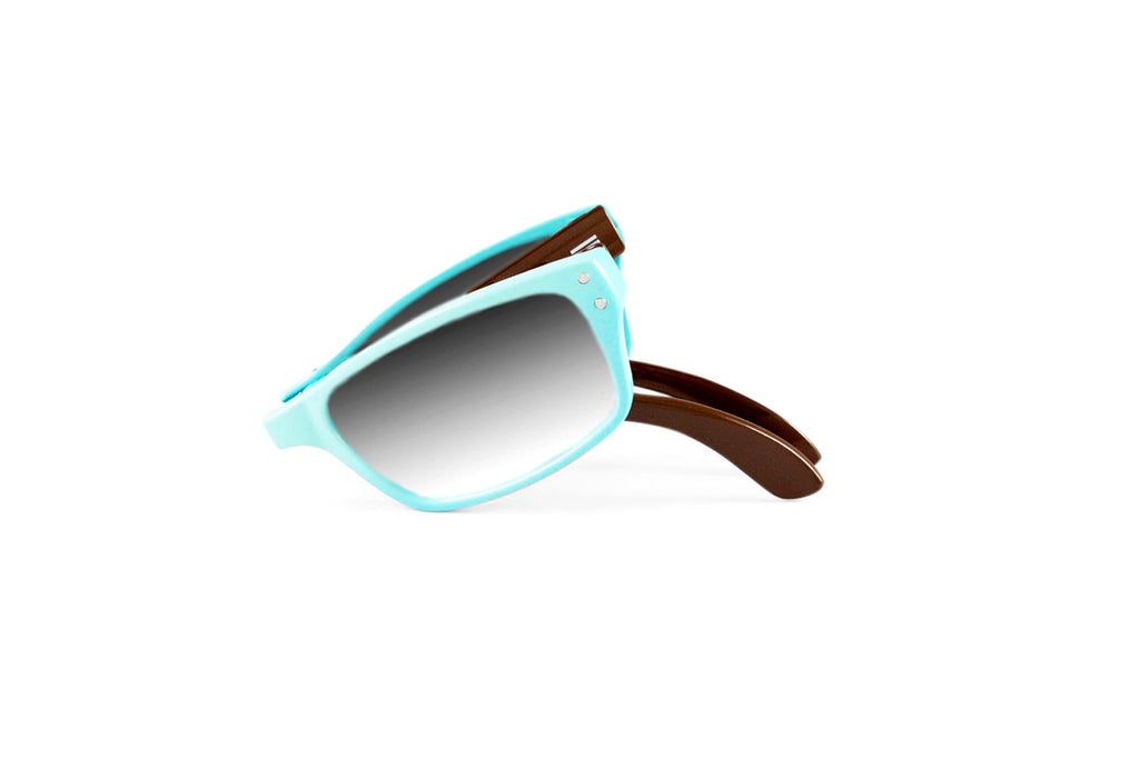Banker-Powder Blue Brown Photochromic Reader