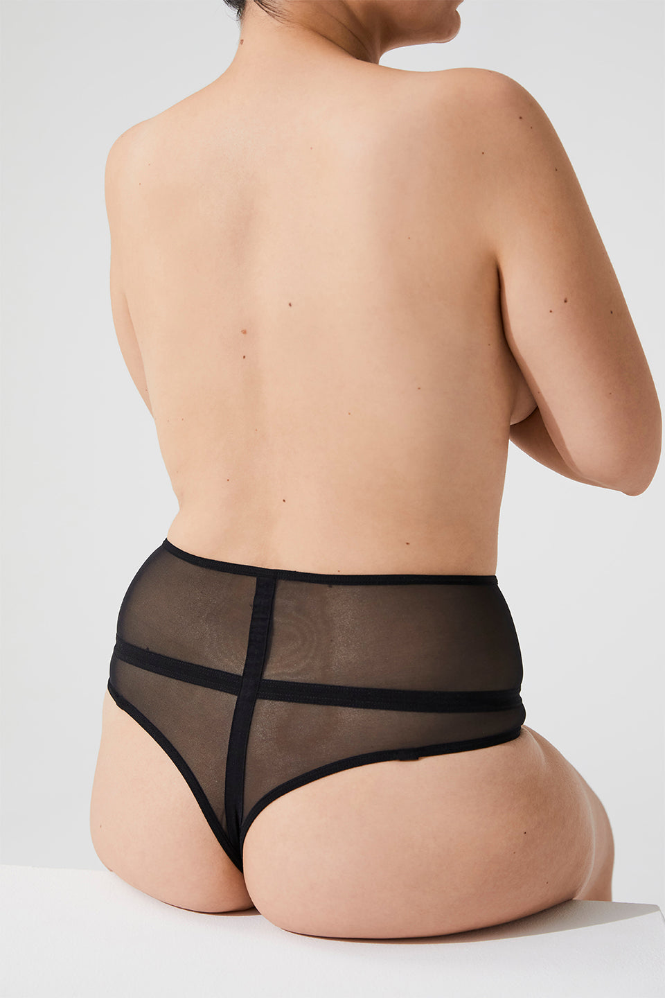 LAURA PERFORATED HIGH THONG