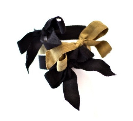 Encore Set by Bandtz in Khaki. Three matte elastic hair bows, two black bows, one taupe bow. Classic neutral combination. Long lasting, no fray hair bows. Favorite hair tie for thick hair and thin hair. Kind to the hair.