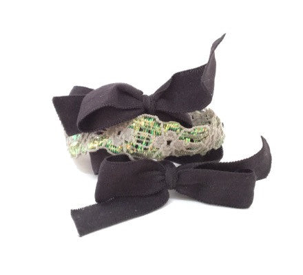 Bandtz Twilight Set in Black and Grey. Three elastic hair ties. Two black microfiber hair bows and one elastic lace cuff in grey.