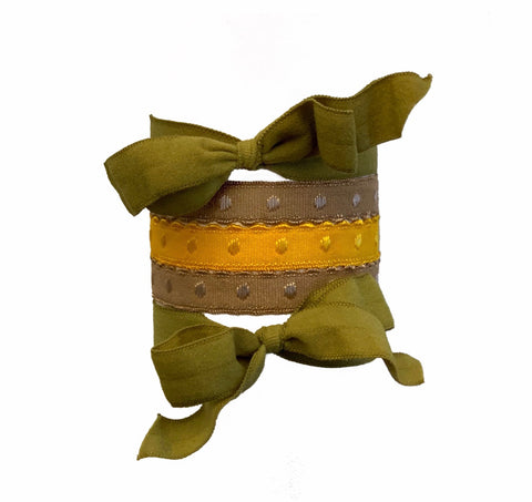 Maria Set by Bandtz in Green and Yellow. Five hair ties. Two matte hair bows in cargo green, three demi-dot hairties in yellow and olive. Strong elastic hair tie. Fashion hair accessory. Hair ties for workouts.