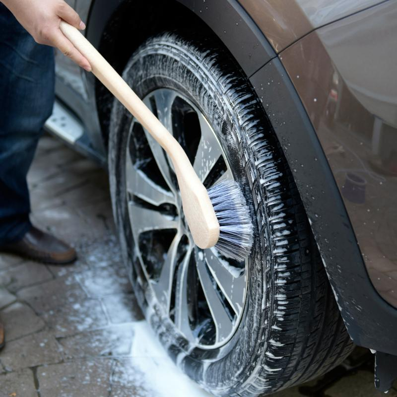 How To Properly Clean an Alloy Wheel?