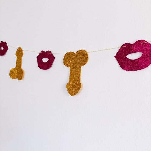 Willy and Lips Garland