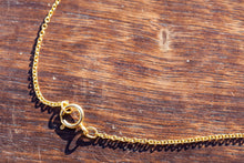 bu delicate  gold necklace