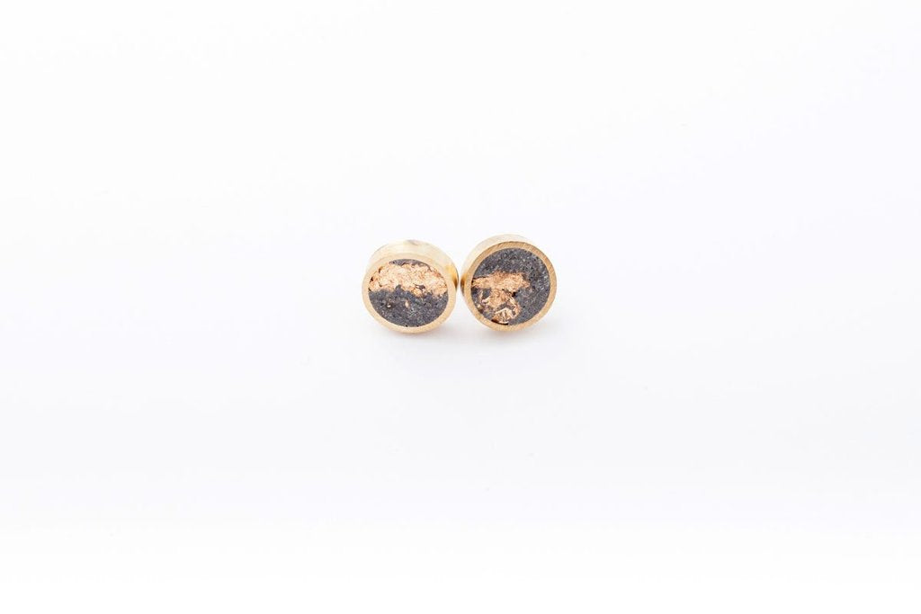 stud earrings black gold