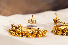 amrapali gold earrings