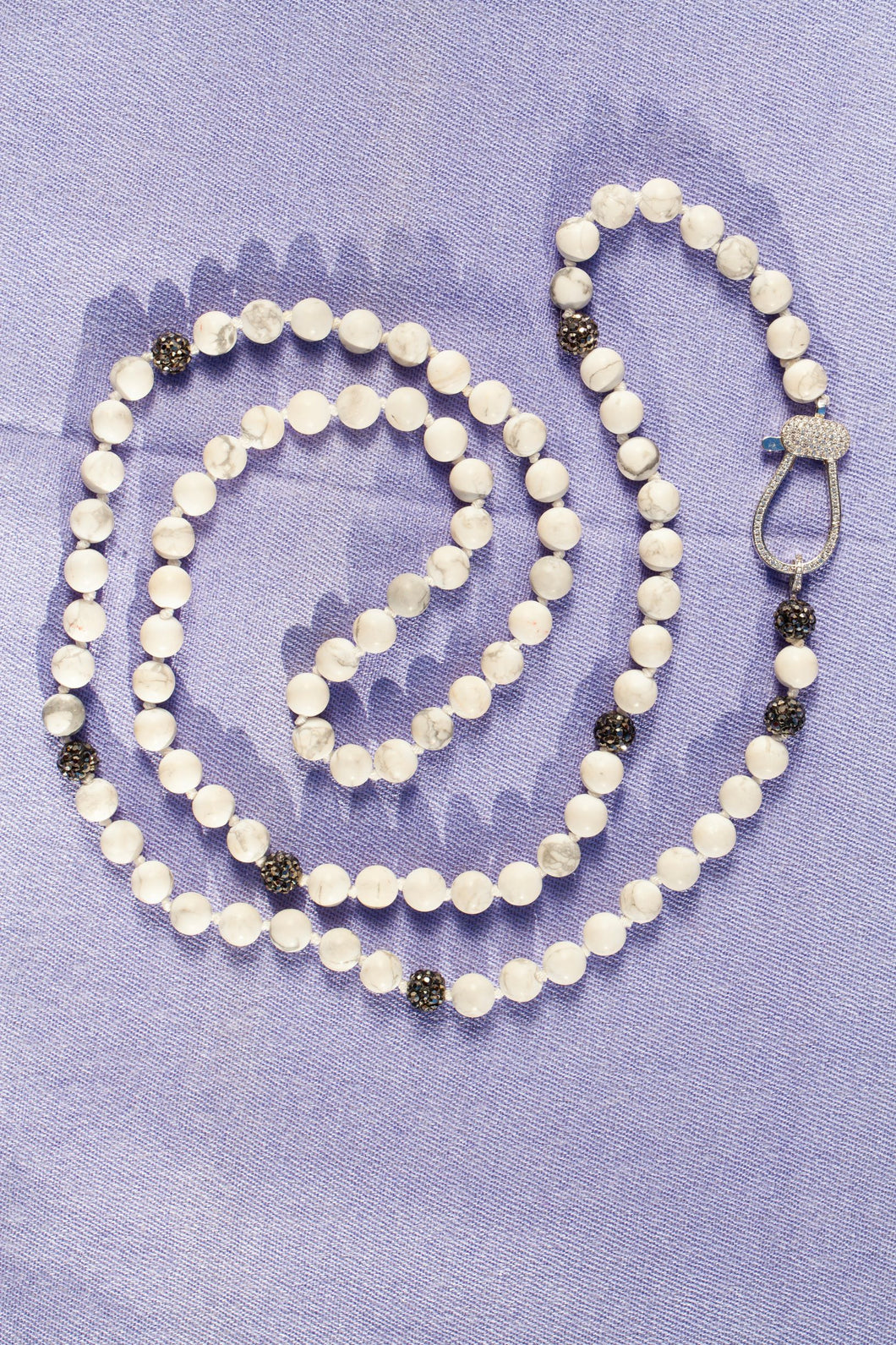 marbled white bead necklace