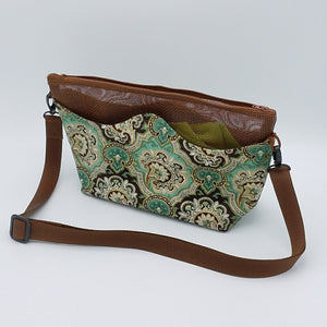 Suggie Travel Tote (Small) Photo
