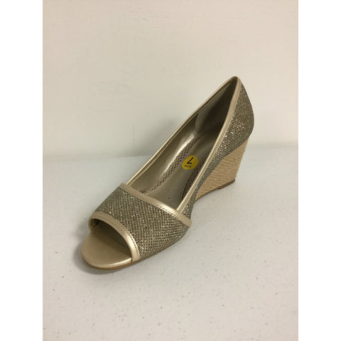 Easy Spirit Gold Wedges Size 7