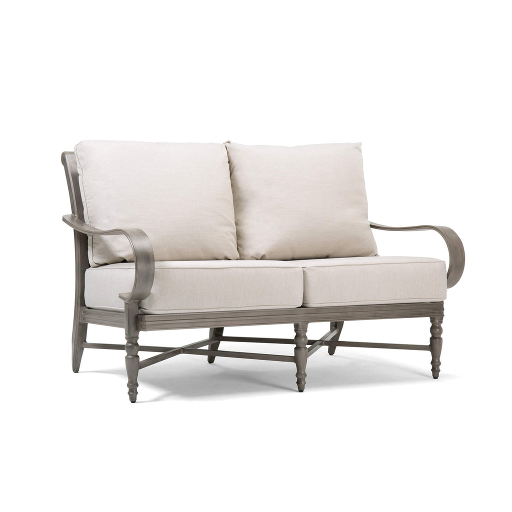Saylor Loveseat