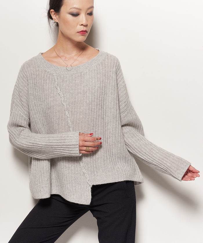 UNBALANCED RIBBED PULLOVER