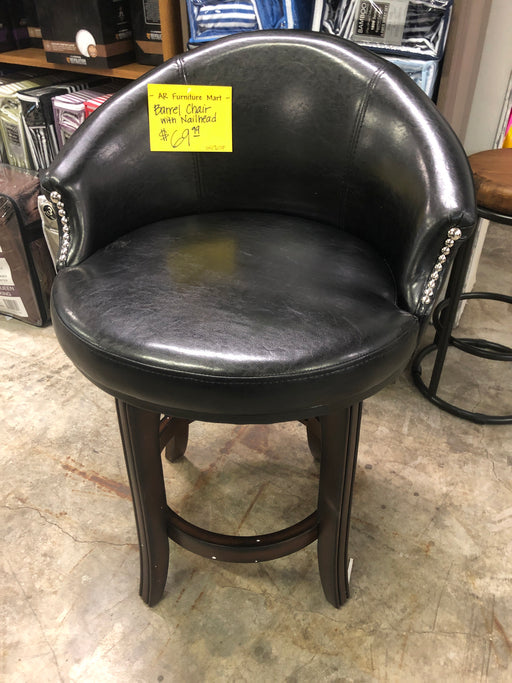 Barrel Chair With Nailhead