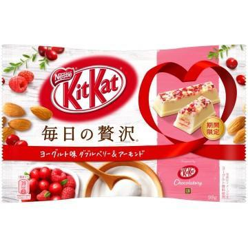 Kit Kat - Yogurt & Double berry & almond-98g Snackoo