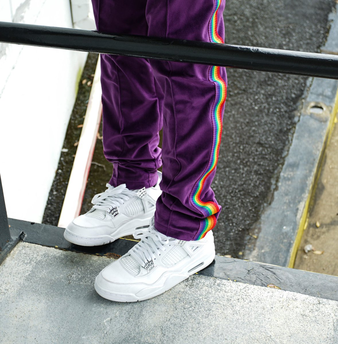 "RESTOCKED : ""ORLANDO"" STRIPED TRACK PANTS"