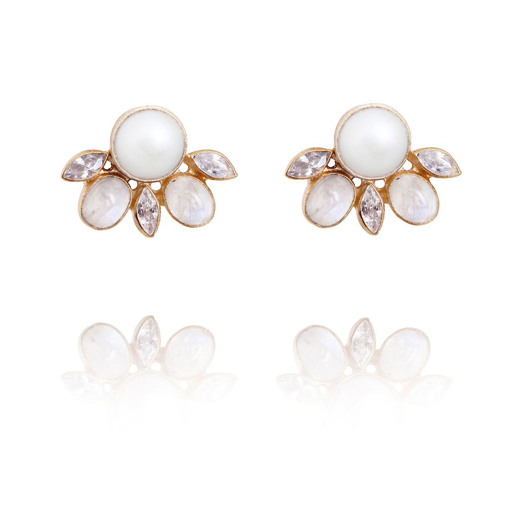 Fresh water pearl, moonstone studs