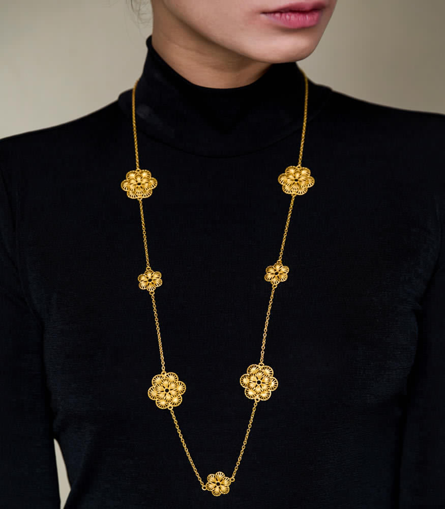 Sunkissed blooms necklace