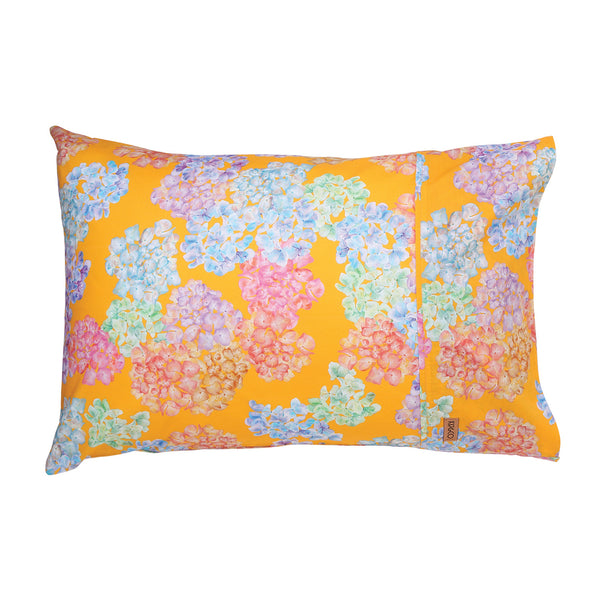 Hiding in the hydrangeas Mango Single Pillowcase
