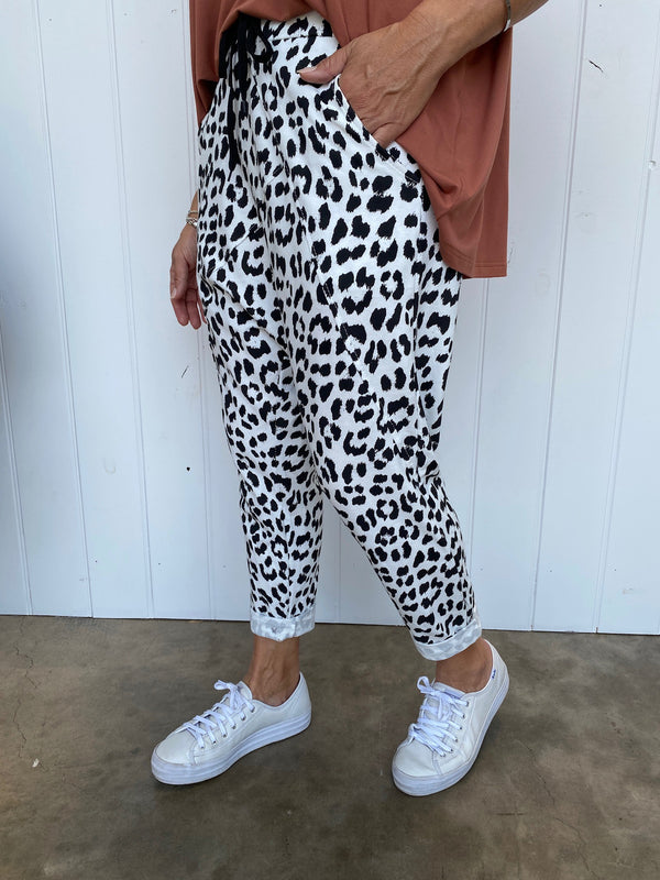 LEOPARD DROP CROTCH PANT