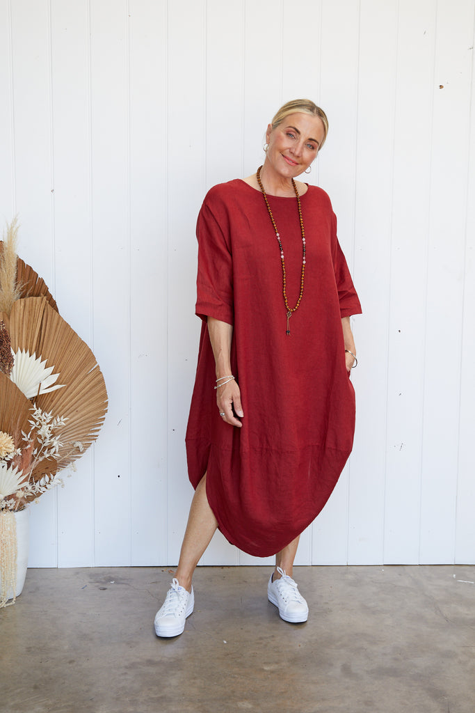 SCALLOP DRESS - BARN RED