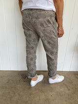ALL OVER STAR PANT - TAUPE