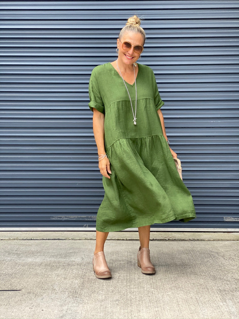 WILLOW TIERED DRESS - FOREST GREEN