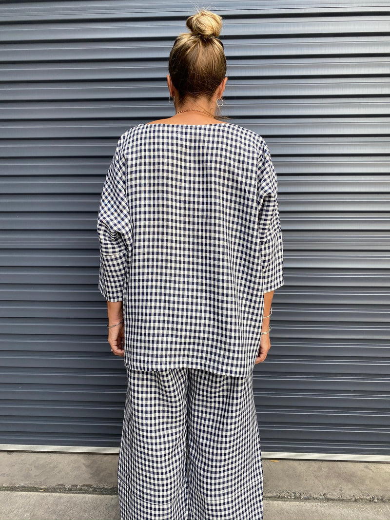 HINLEY TOP SLEEVED - NAVY GINGHAM