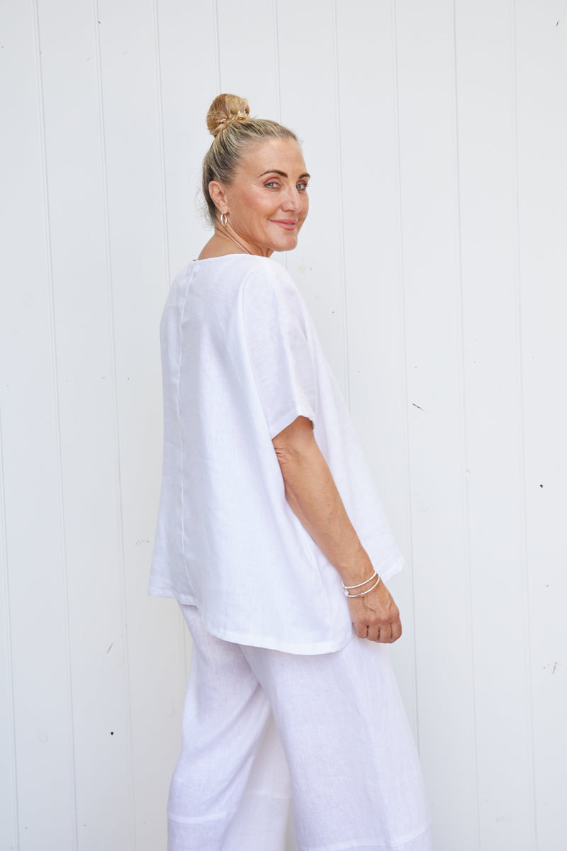 V NECK HINLEY TOP - WHITE