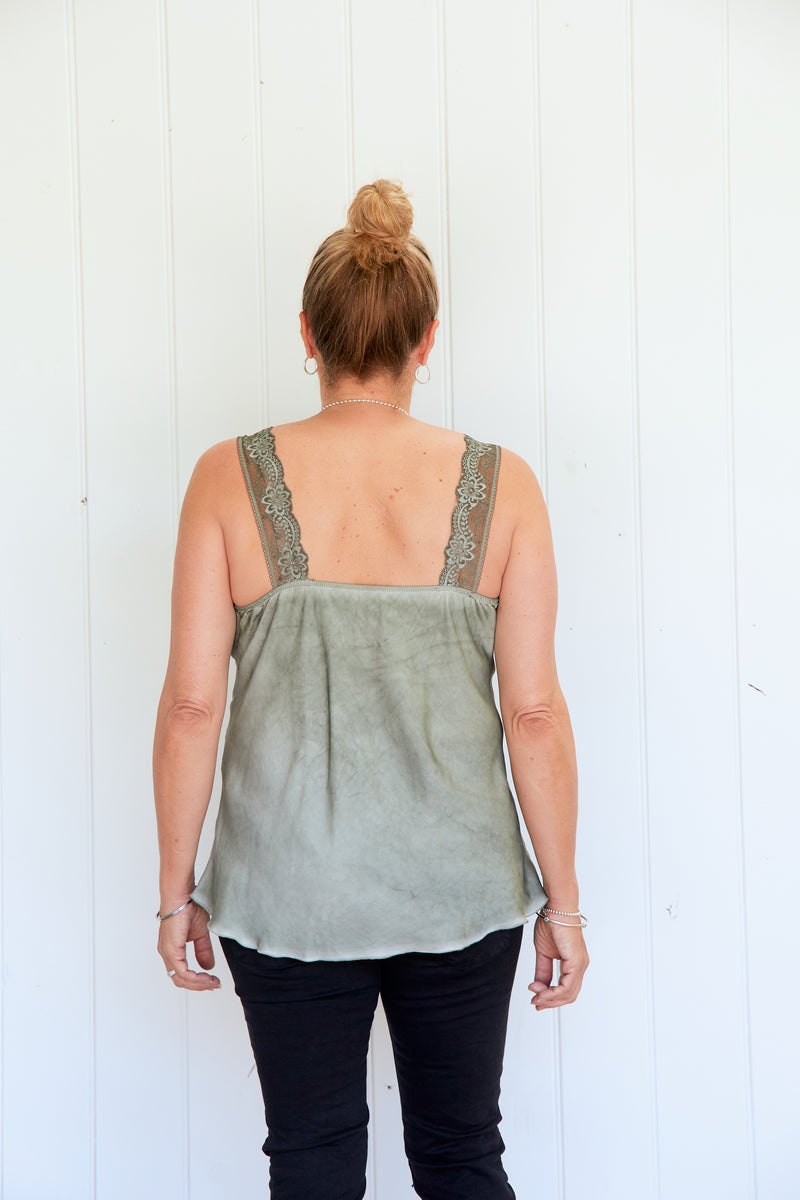 NOEMI LACE CAMI - MILITARY GREEN