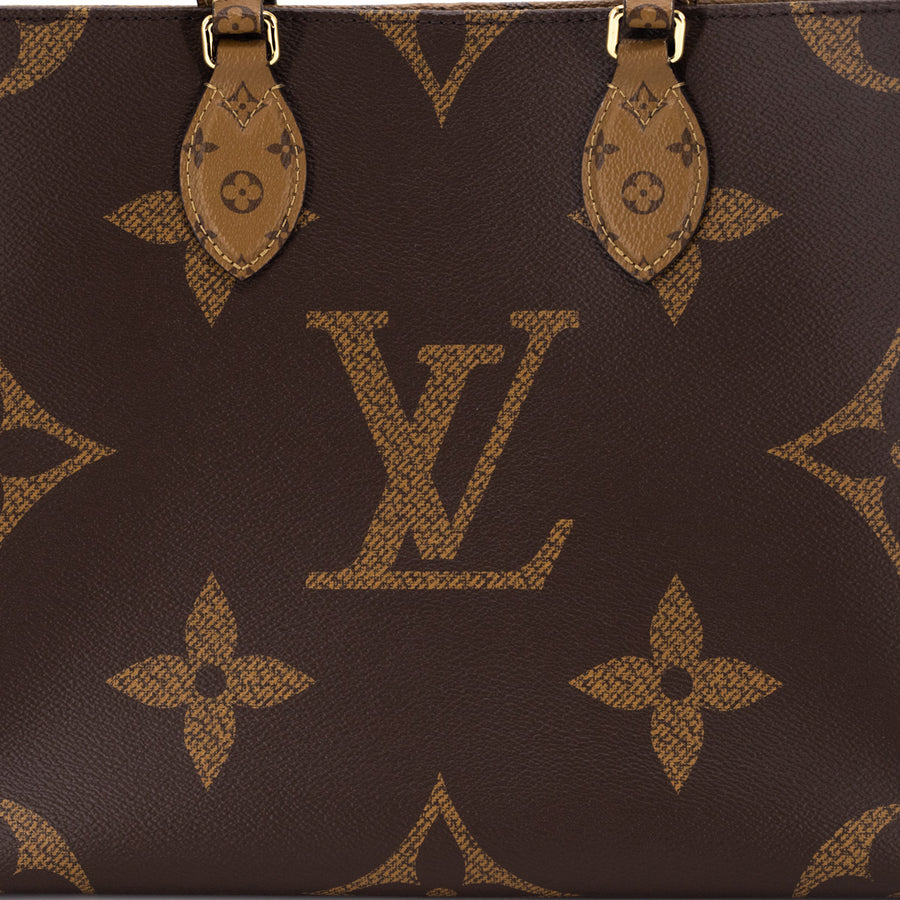 Louis Vuitton On The Go MM Tote Giant Monogram