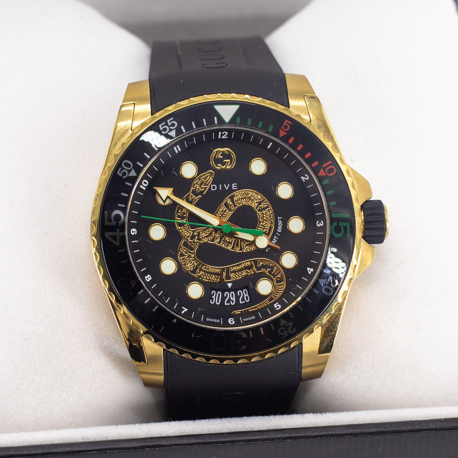 GUCCI DIVE XL WATCH W/ SNAKE MOTIF