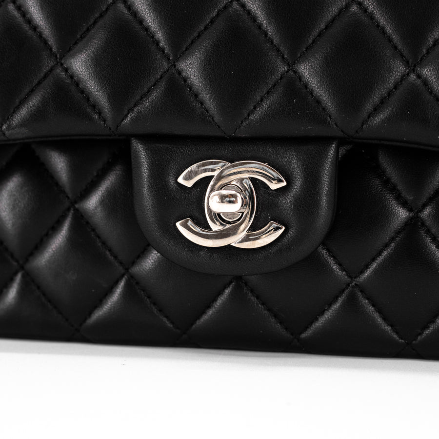 485f6d3ec13a Chanel Quilted Medium/Large Lambskin Classic Flap Black