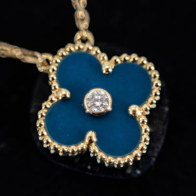 Van Cleef & Arpels 2019 holiday pendant Blue Porceline With Diamond