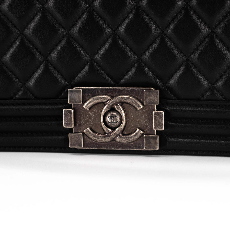 Chanel Quilted Calfskin Old Medium Boy Black