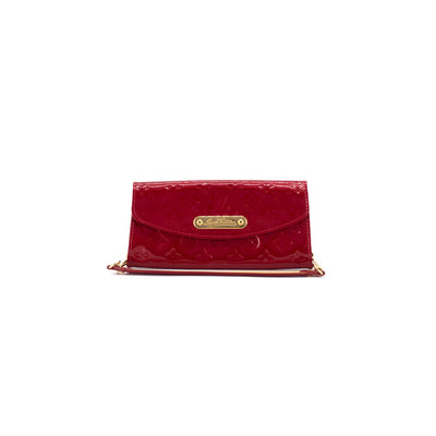 Louis Vuitton Monogram Vernis Clutch on Chain Red